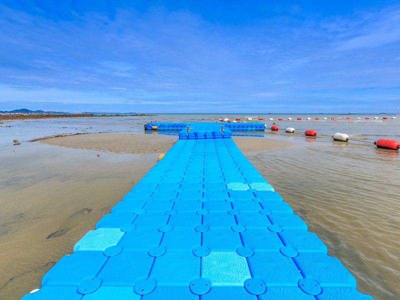Inco-blue-rotomolding-jetty