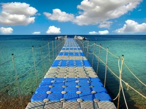 pontoon-bridge-in-the-red-sea.