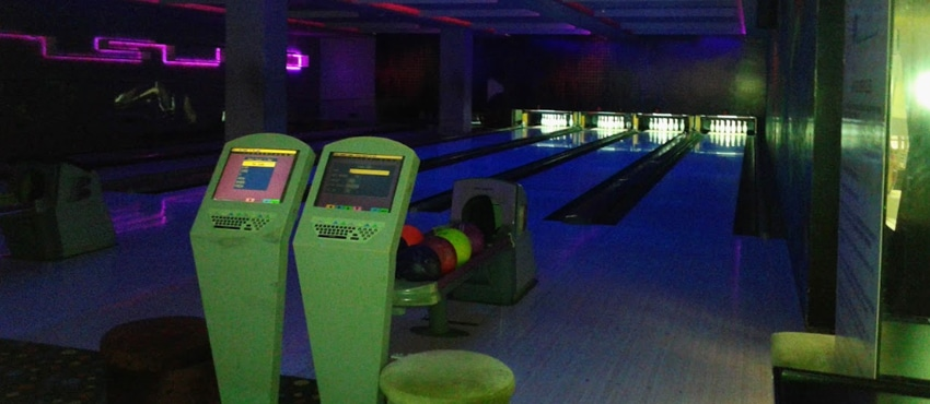 Strikes- Bowling Lane - Inco