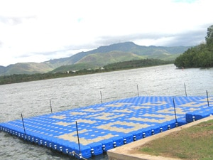 Pontoon Bridge Red See - Inco